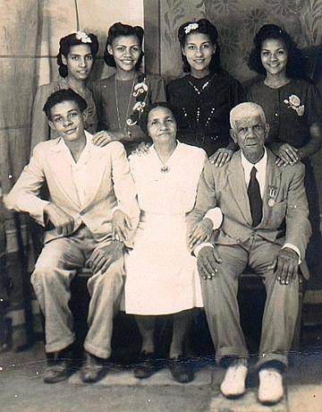 Papi's Family